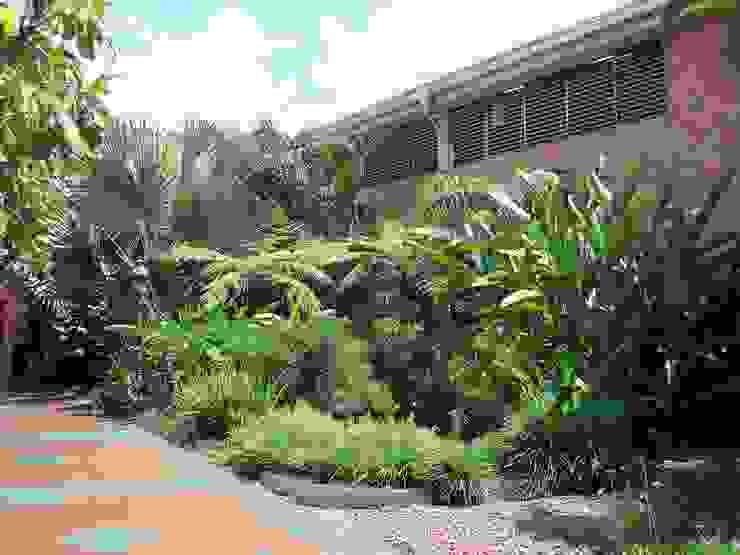Estanques de jardín de estilo  por Paisajismo trópico sas, Tropical