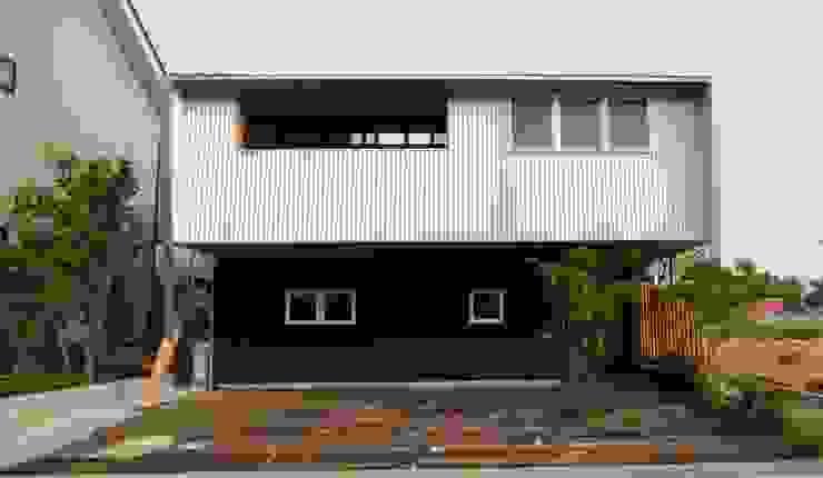 株式会社高野設計工房 Chalés e casas de madeira Madeira