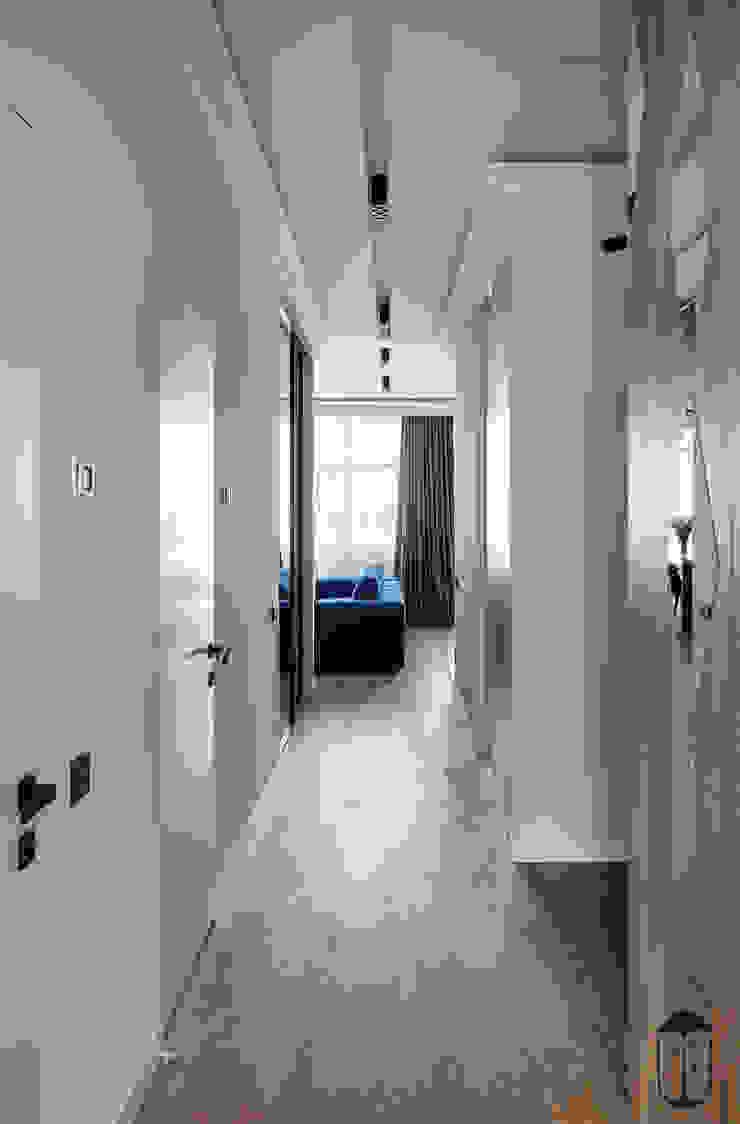 Pasillos, vestíbulos y escaleras de estilo ecléctico de YOUSUPOVA Ecléctico