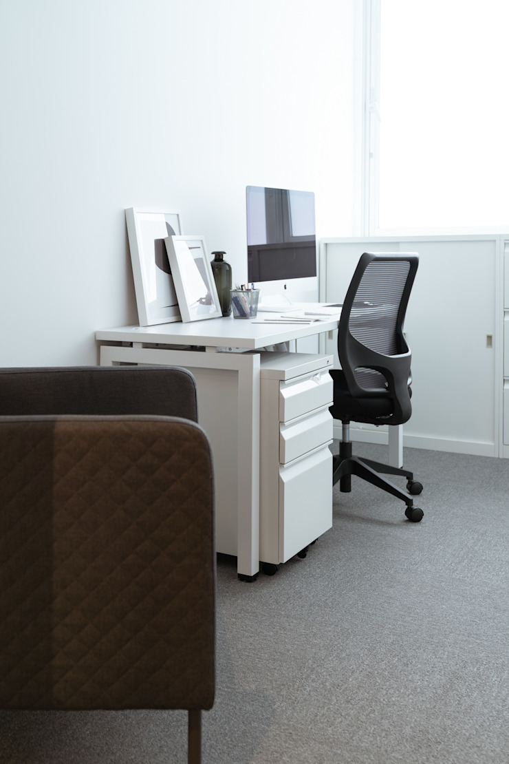 辦公室 by 鈊楹室內裝修設計股份有限公司 Minimalist