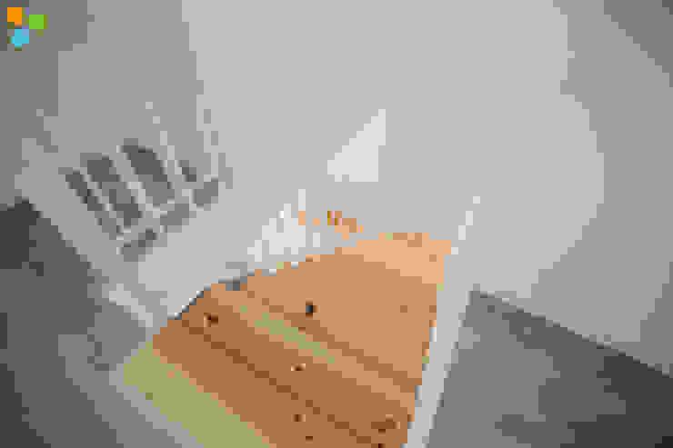Reabilitação Residência de Estudantes Corredores, halls e escadas modernos por Grupo Prummo Moderno