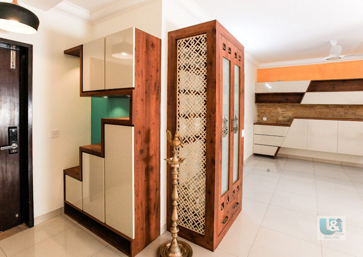 Shoe Rack & The Puja Unit Modern corridor, hallway & stairs by U and I Designs Modern