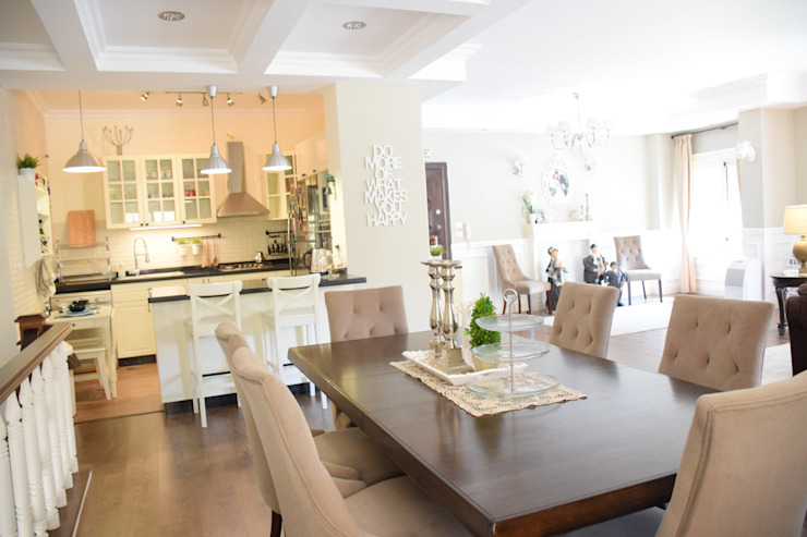 First settlement duplex apartment Colonial style dining room by SM Interiors Colonial Wood Wood effect
