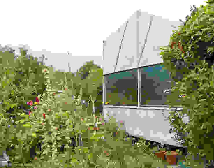 Casetas de jardín de estilo  de AMUNT Architekten in Stuttgart und Aachen, Industrial