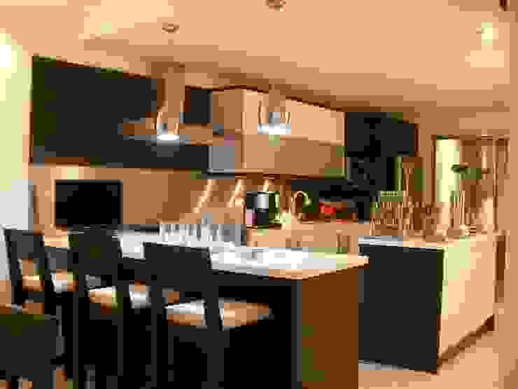 COCINA CAS COZUMEL: Cocinas equipadas de estilo  por FRACTAL.CORP ARQUITECTURA