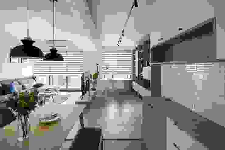餐櫃壁磚 根據 極簡室內設計 Simple Design Studio 北歐風