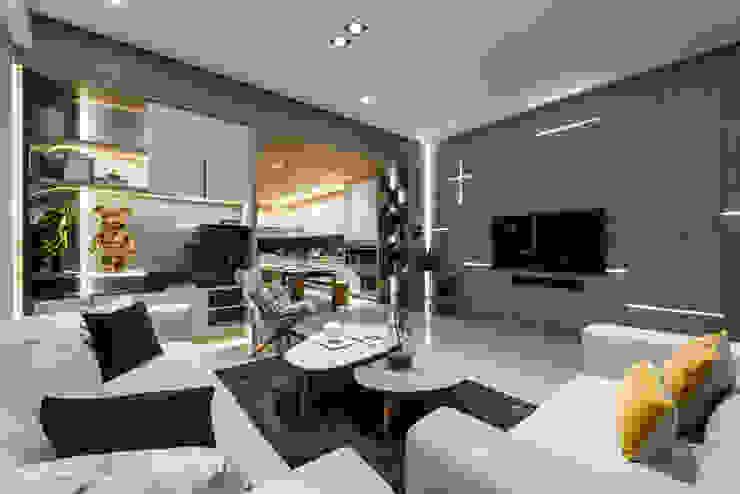 電視牆利用燈光做十字造型 根據 Fertility Design 豐聚空間設計 現代風