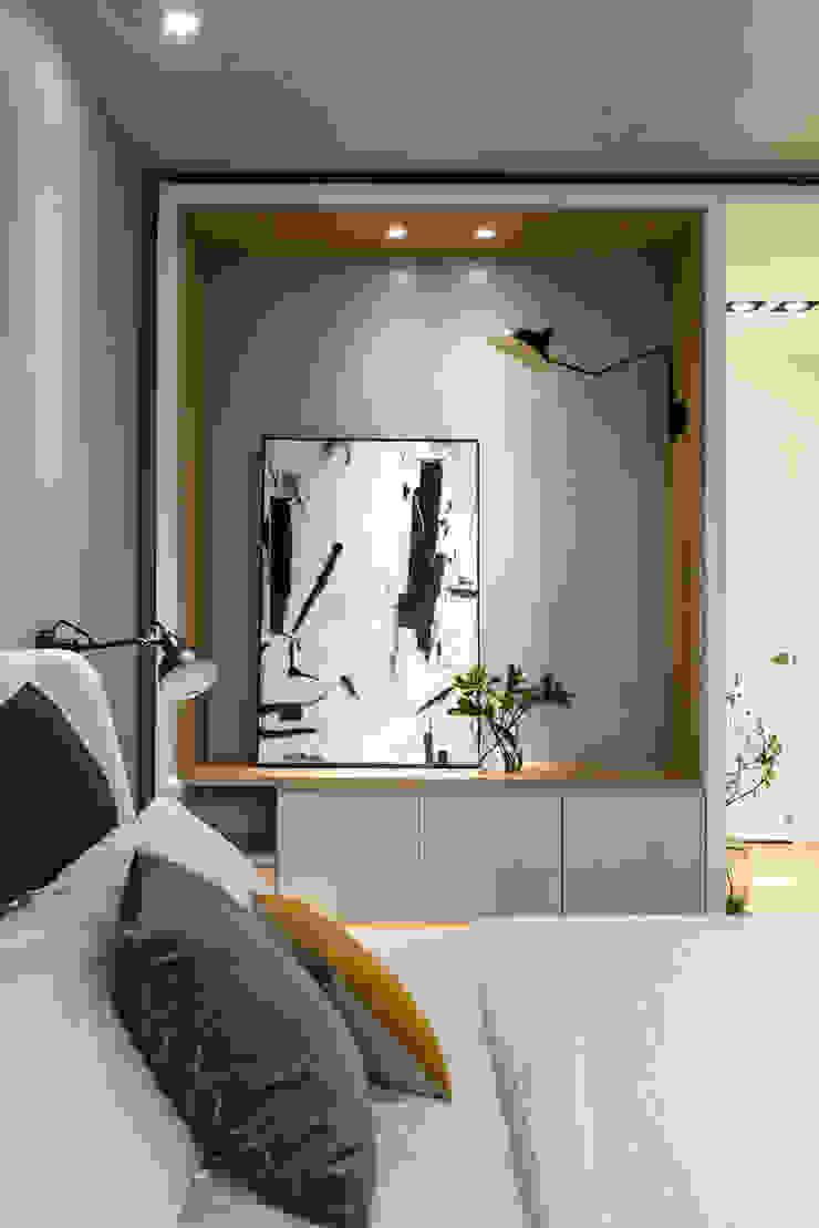 簡單的擺飾讓臥室也擁有藝術氣息 根據 Fertility Design 豐聚空間設計 現代風