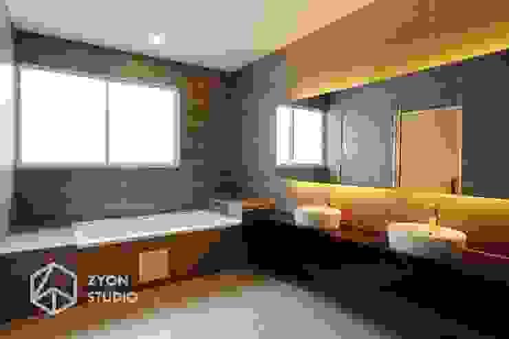Kiara Residence Puchong ZYON STUDIO SDN BHD(fka zyon interior design sdn bhd) Modern style bathrooms