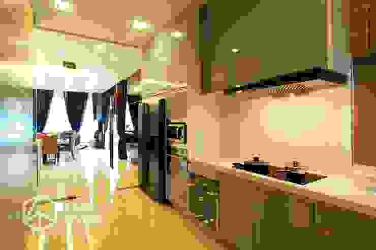 Kiara Residence Puchong ZYON STUDIO SDN BHD(fka zyon interior design sdn bhd) Modern style kitchen