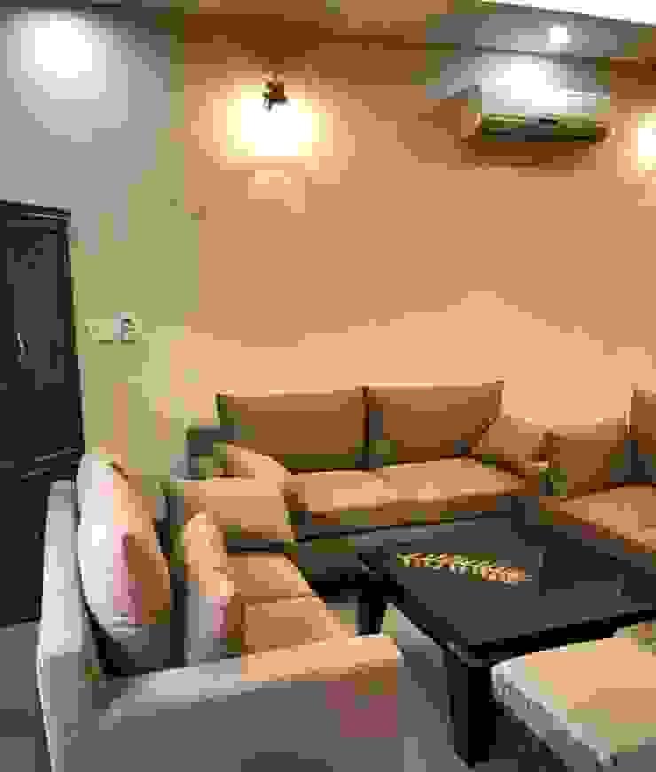Homagica Services Private Limited ห้องนั่งเล่นโซฟาและเก้าอี้นวม