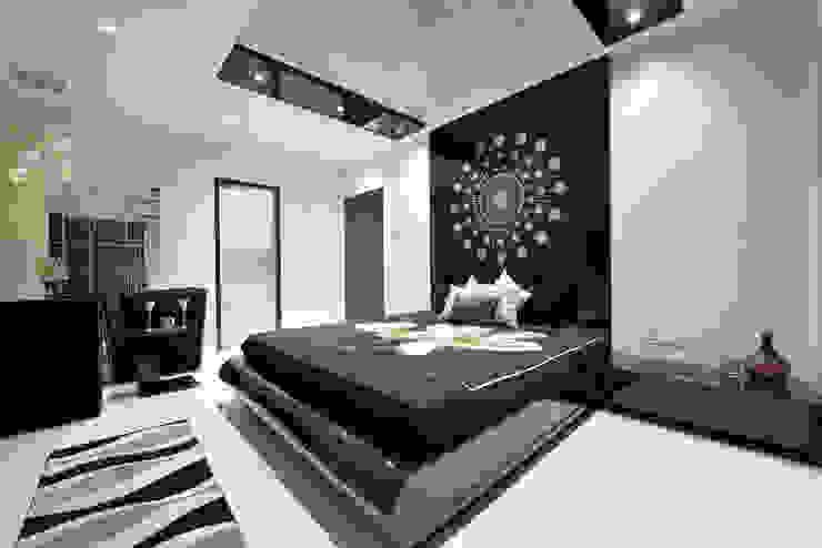 Designer's Fantasy Modern style bedroom by Ar. Milind Pai Modern