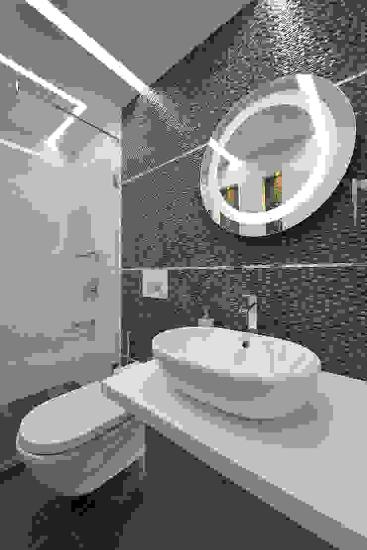 Designer's Fantasy Modern bathroom by Ar. Milind Pai Modern