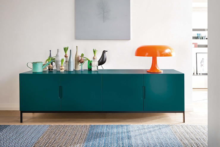 Madia bassa L&M design di Marelli Cinzia Sala da pranzo minimalista