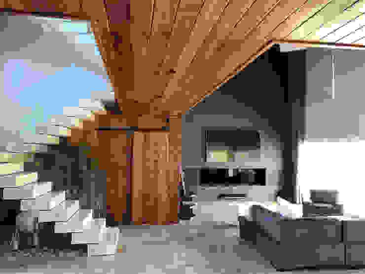 Casa Diagono Livings modernos: Ideas, imágenes y decoración de Maximiliano Lago Arquitectura - Estudio Azteca Moderno