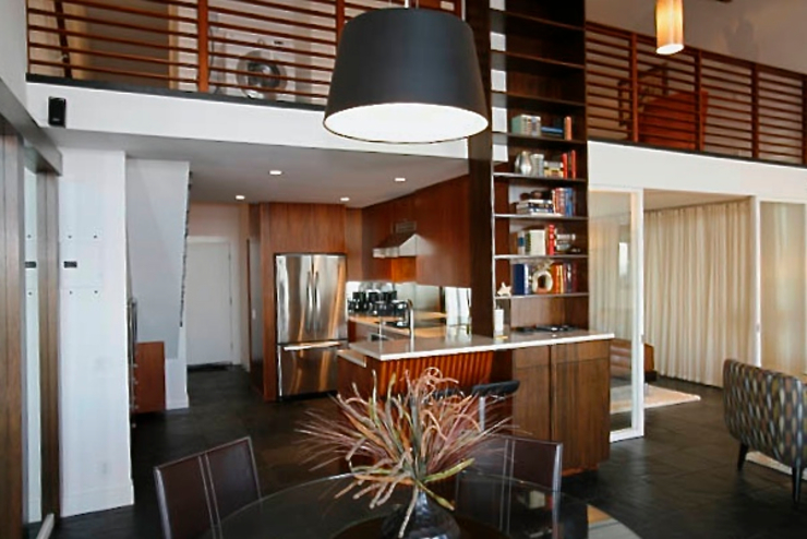 Malibu Modern Loft KINGDOM Modern Kitchen