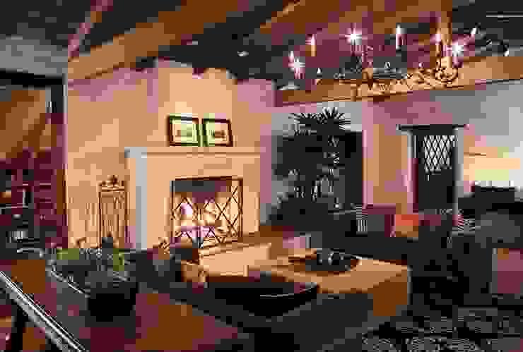 KINGDOM Mediterranean style living room