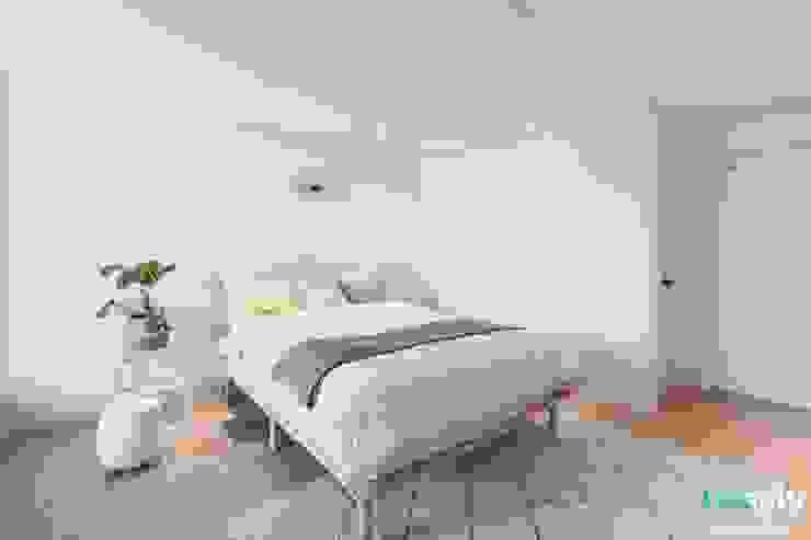 전주인테리어 우미린 탑층 아파트인테리어 , 인더스트리얼 인더스트리얼 침실 by 디자인투플라이 인더스트리얼