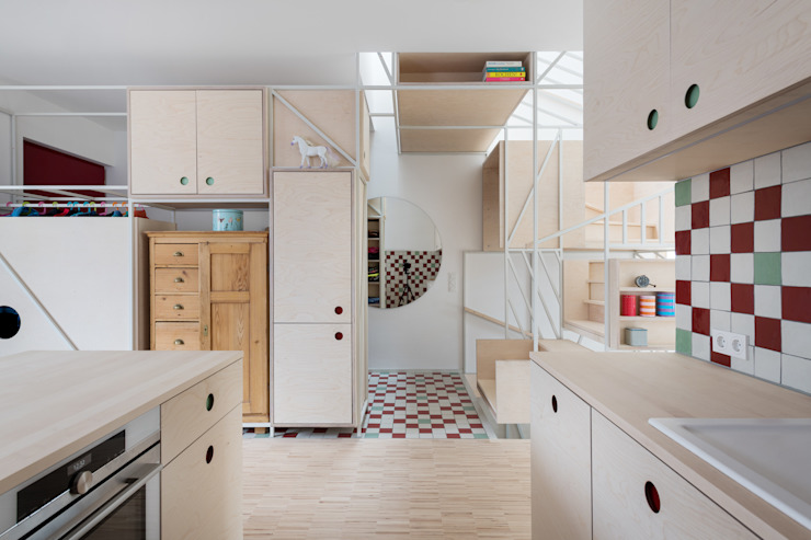 Hausfuchs - Haus Ost IFUB* Moderner Flur, Diele & Treppenhaus