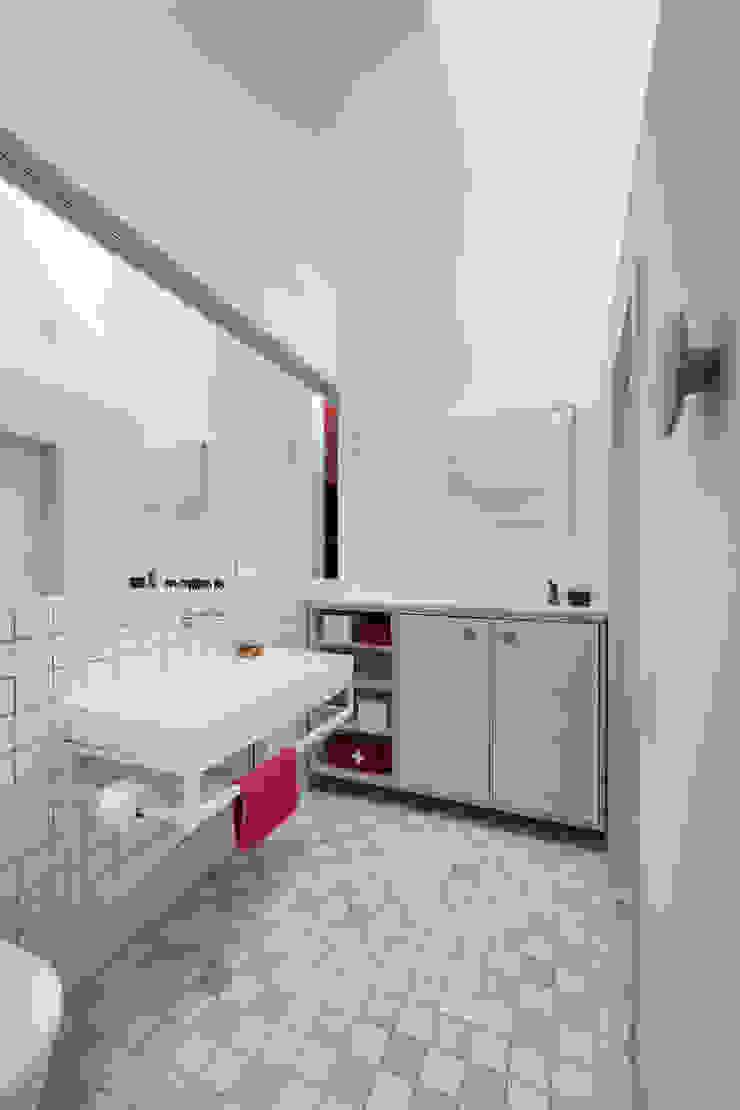 Hausfuchs - Haus Ost IFUB* Moderne Badezimmer Holz