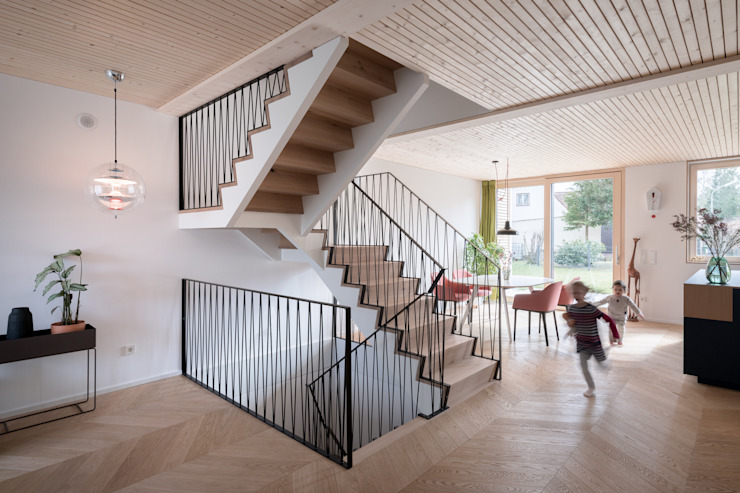 Hausfuchs - Haus West IFUB* Treppe Schwarz