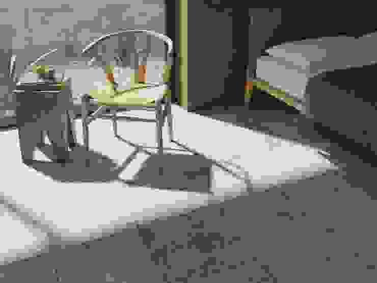 Recámara con piso y pared estilo piedra Cuartos de estilo rural de Interceramic MX Rural Cerámico