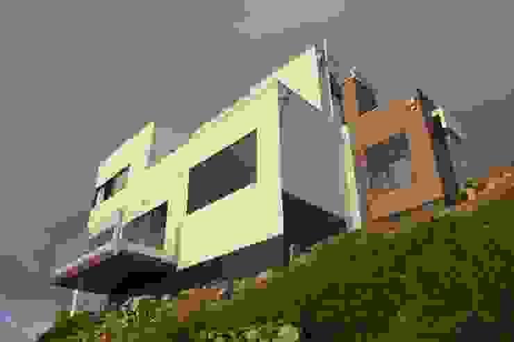 Terminación de fachada con sistema E.I.F.S de Casas Metal Mediterráneo