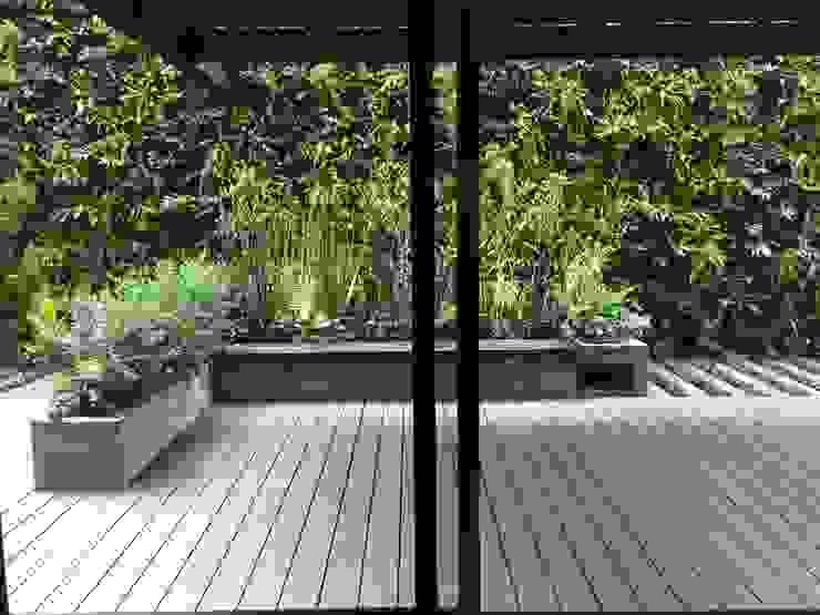 Terraza Ruiz Balcones y terrazas de estilo rústico de AA Arquitectura y Paisaje Rústico