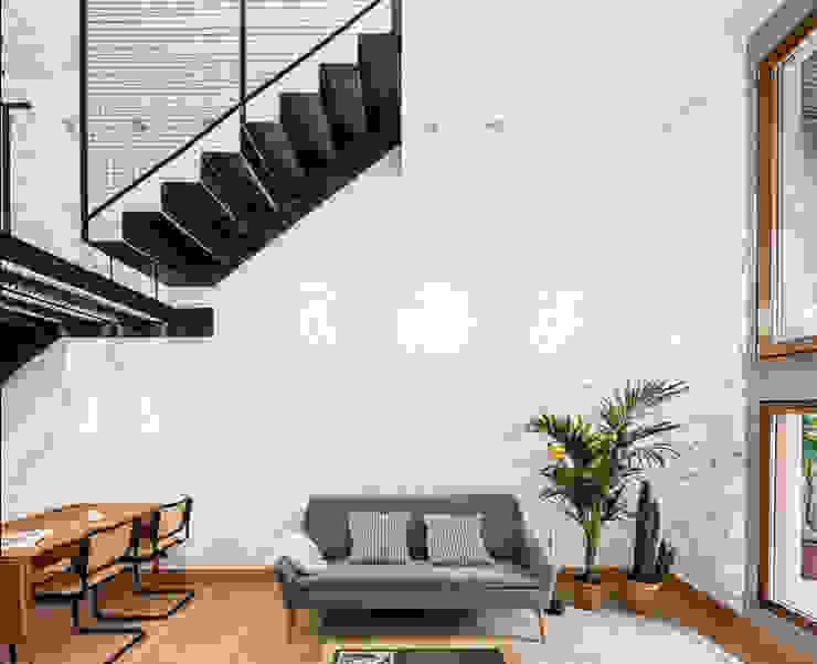 Apartamento LA DIANA de AA Arquitectura y Paisaje Moderno