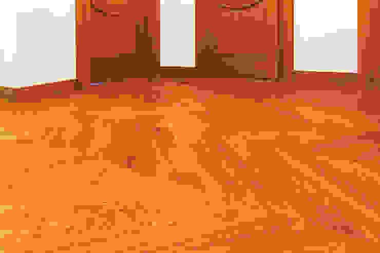 Jodełka francuska Klasyczny korytarz, przedpokój i schody od Roble Klasyczny Drewno O efekcie drewna