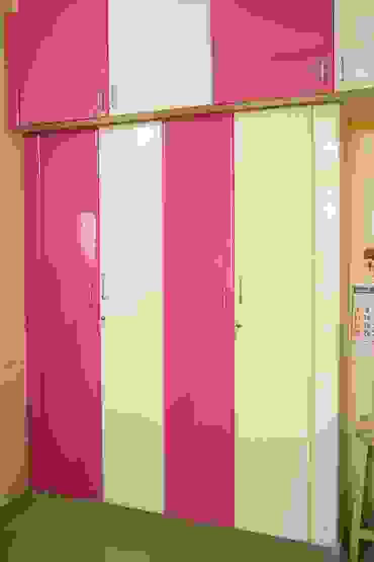Bedroom Closet Ajith interiors BedroomWardrobes & closets Plywood Pink