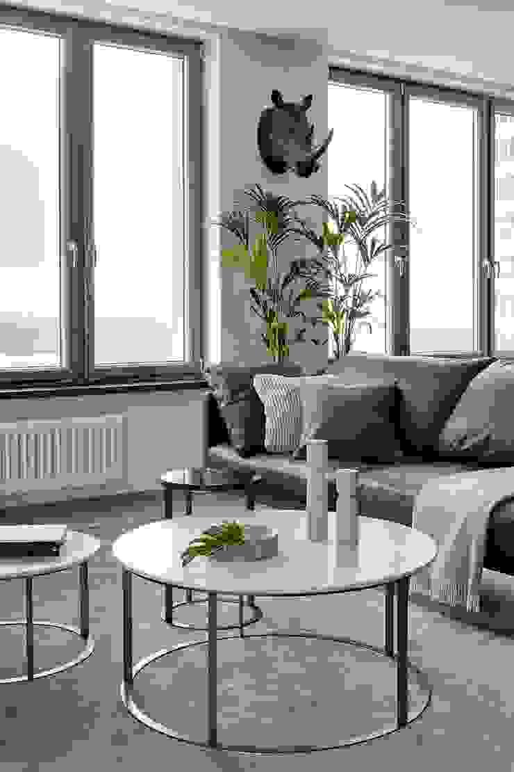 iPozdnyakov studio Ruang Ganti Minimalis Grey