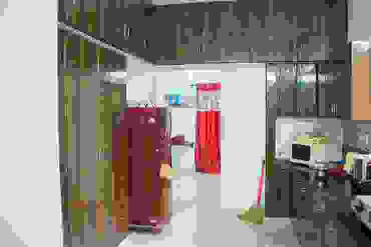 Kitchen cup board - storage unit  : modern  by Ajith interiors,Modern Plywood