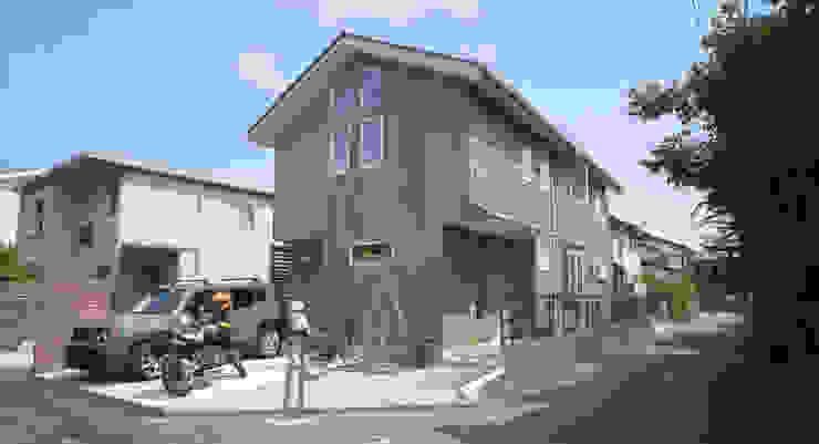 CSH10 鵠沼海岸パッシブハウス モダンな 家 の クラシック一級建築士事務所 モダン 木 木目調