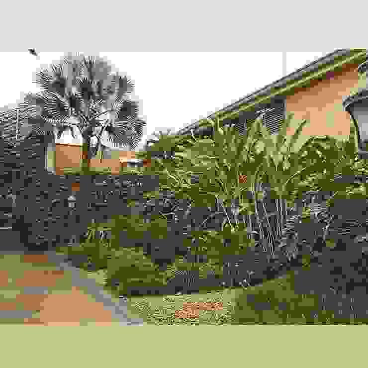 Jardin fabrica moldes de Paisajismo trópico sas Tropical