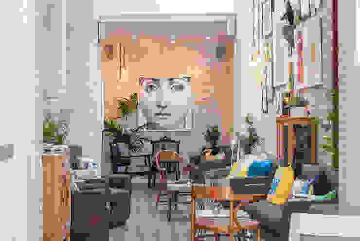 cafeteria La Mano Derecha estudio Bares y clubs de estilo ecléctico