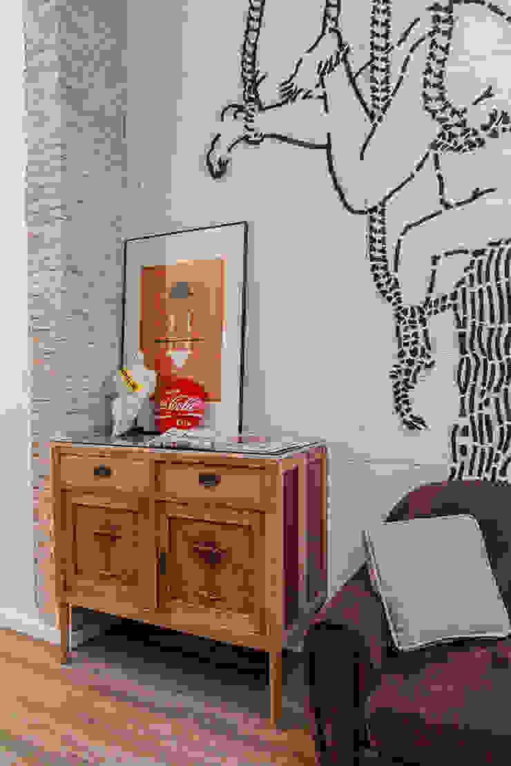 mobiliario La Mano Derecha estudio Bares y clubs de estilo ecléctico