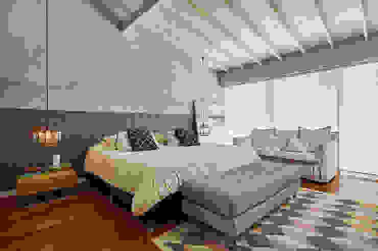 Casa Avellaneda Habitaciones de estilo rústico de CAJA BLANCA Rústico