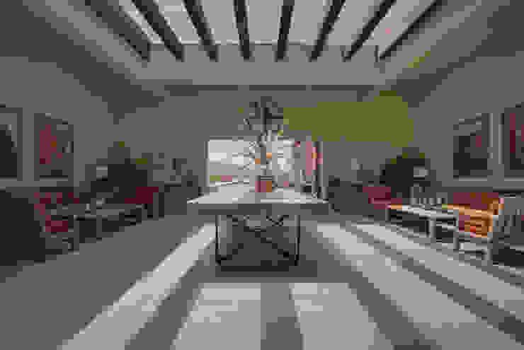 enROJO.espacios Koridor & Tangga Modern