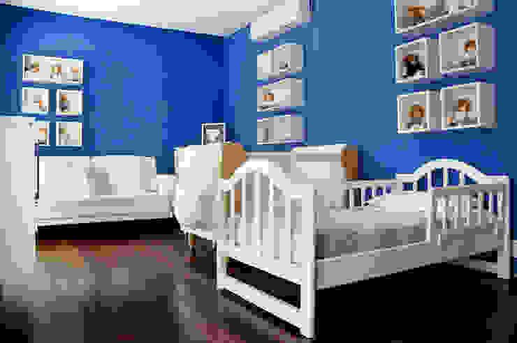 Modern style bedroom by Alexander Congonha Modern Wood Wood effect