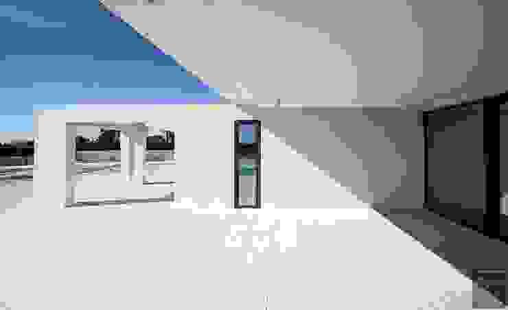 CASA_Z Balcones y terrazas de estilo moderno de Bioarquitectura Moderno