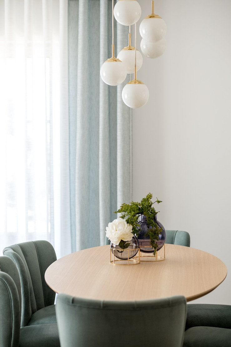 Eclectic style dining room by Victor Guerra.Design Eclectic