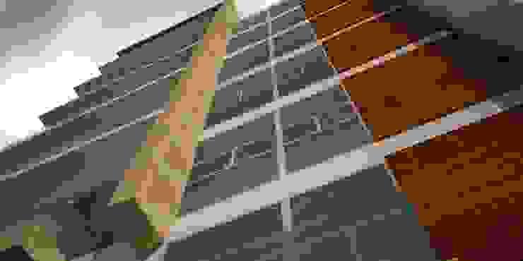 Fachada principal de Velasco Arquitectura Moderno Mármol