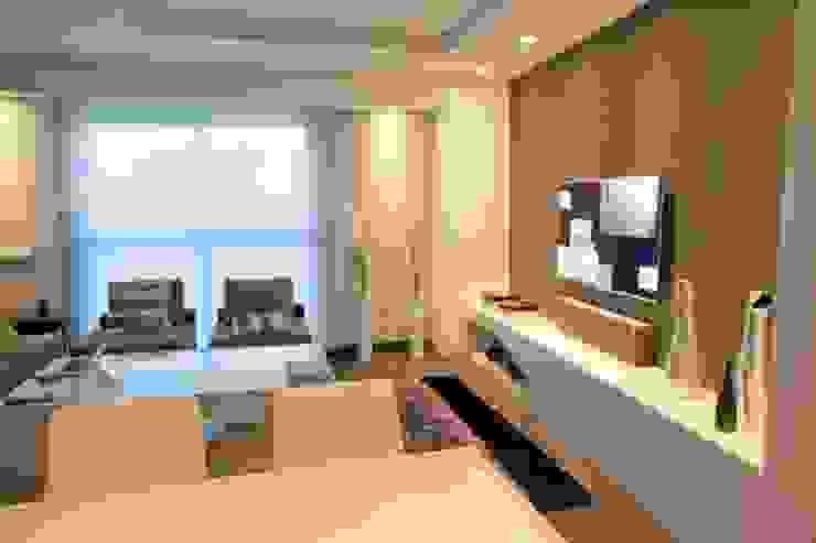 Salon moderne par Domonova Soluciones Tecnológicas para tu vivienda en Madrid Moderne