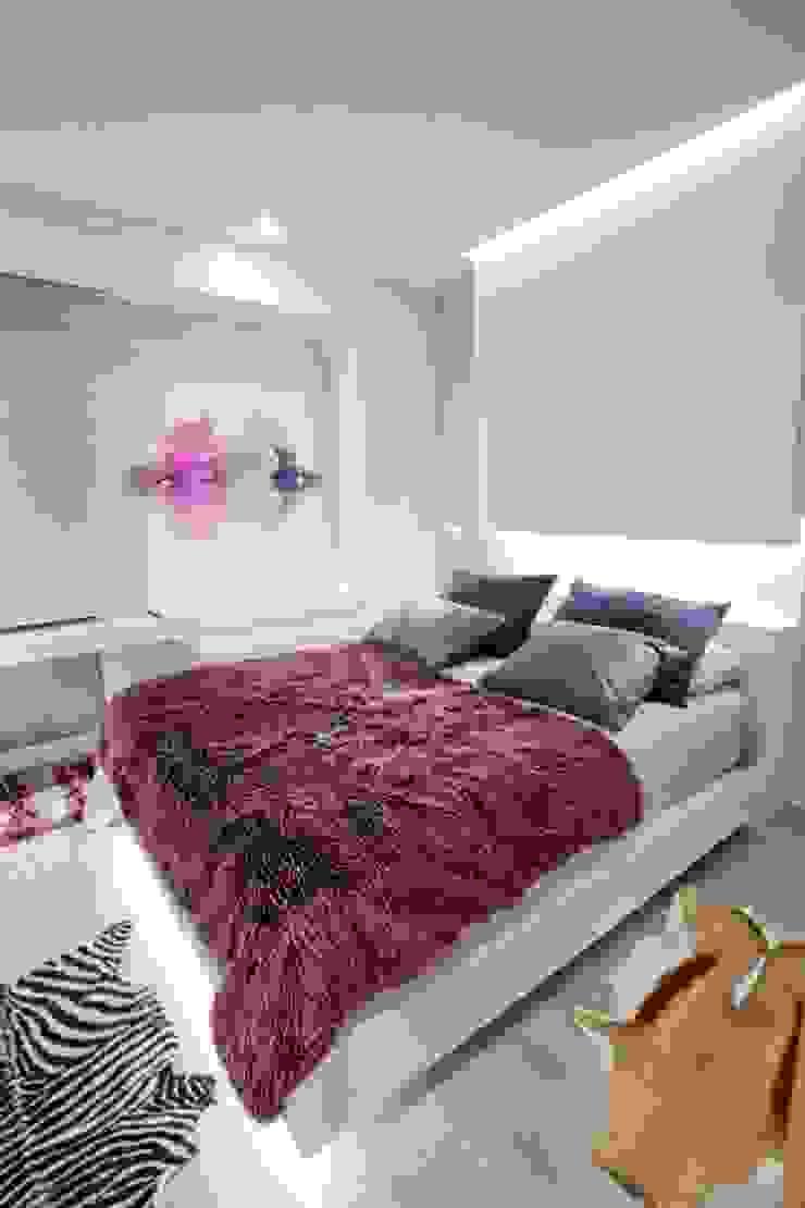 Chambre moderne par Domonova Soluciones Tecnológicas para tu vivienda en Madrid Moderne