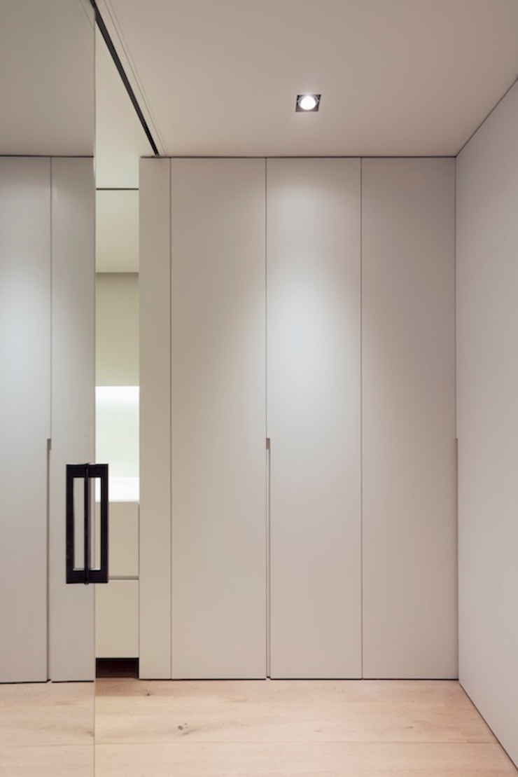 Studioapart Interior & Product design Barcelona Minimalist dressing room Wood White