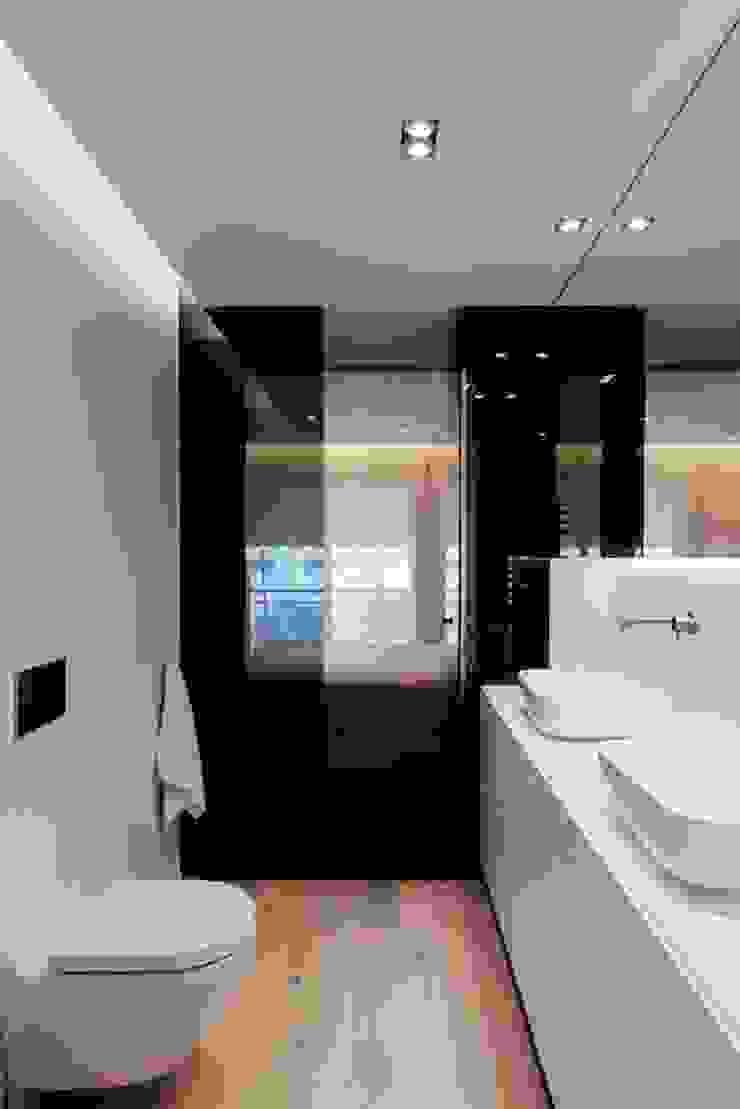 Studioapart Interior & Product design Barcelona Minimalist style bathrooms Wood