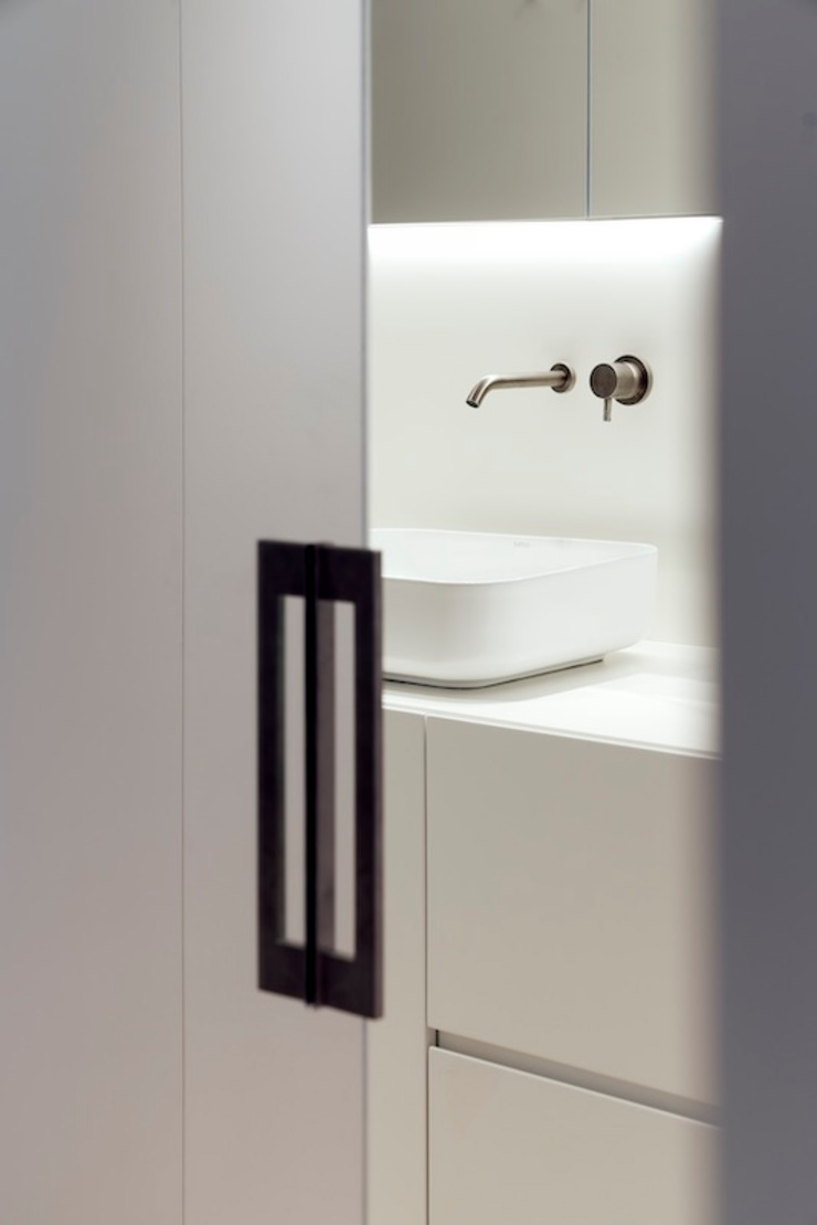 Studioapart Interior & Product design Barcelona Minimalist style bathrooms Wood-Plastic Composite