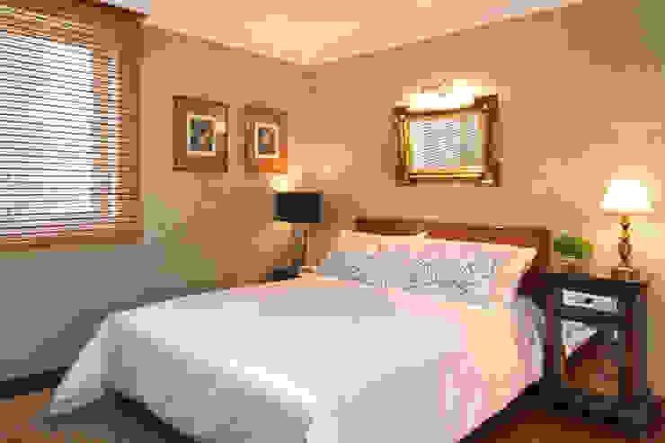Dormitorios de estilo moderno de Célia Orlandi por Ato em Arte Moderno