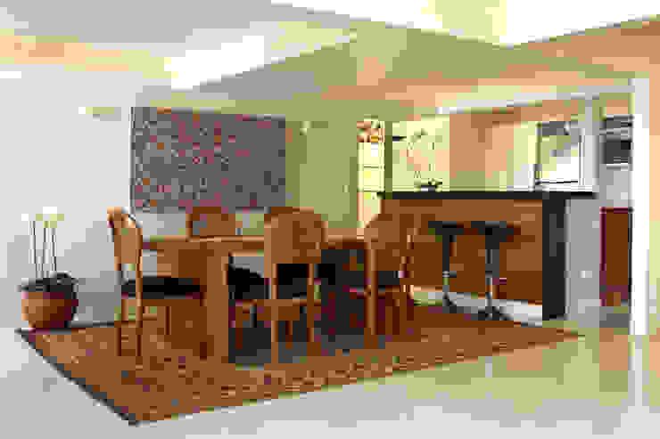 Sala de Jantar Salas de jantar modernas por Célia Orlandi por Ato em Arte Moderno